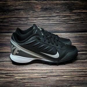 Nike Land Shark 2 Low GS Football Cleat Boys 1Y